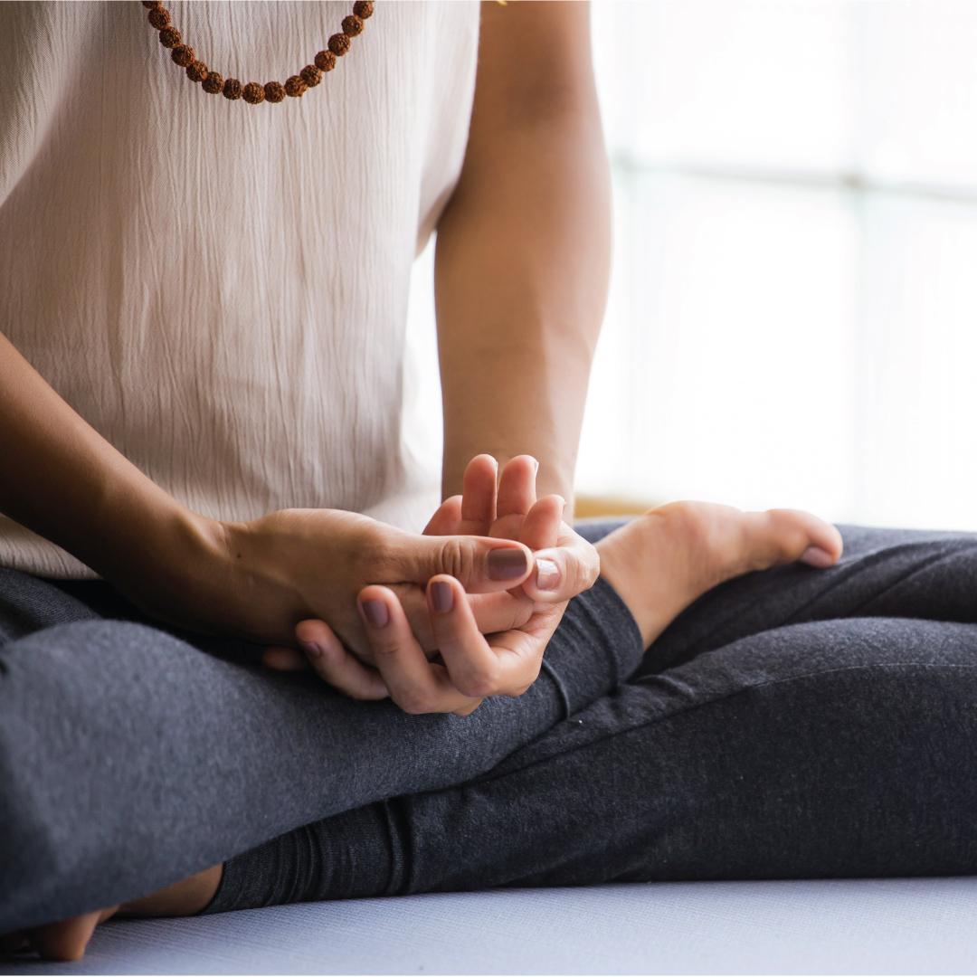 SchoolofPracticalPhilosophy_Meditation_Hands